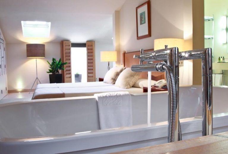 Hotel Club Marítimo - bathrooom