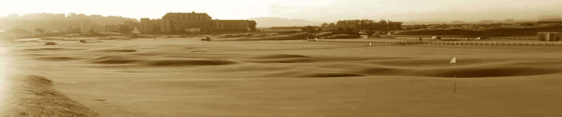 Old Course St Andrews, long view over 18th green