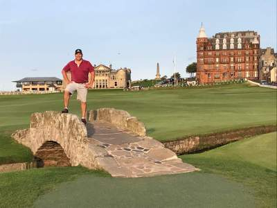 Single golfer - St Andrews Old Course